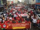 Sindicalistas de MS se reúnem em praça em ato a favor de Dilma