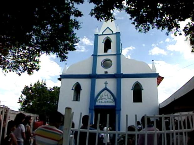 Igreja foi reinaugurada após 52 anos sem funcionar, em Jacupemba, Aracruz (Foto: Reprodução/TV Gazeta Norte)