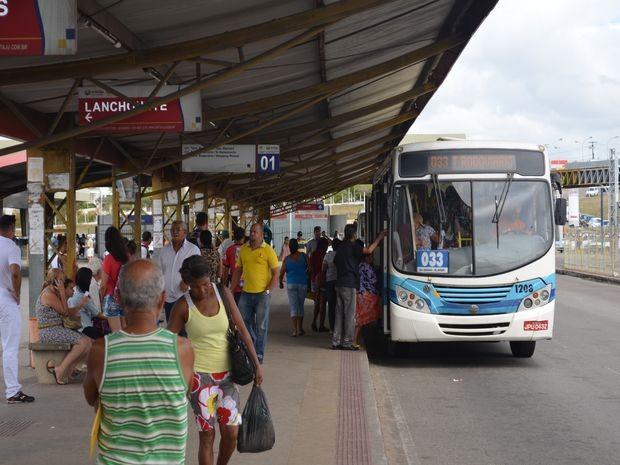 Usuários não aprovam nova tarifa e pedem melhorias no serviço (Foto: Tássio Andrade/G1)