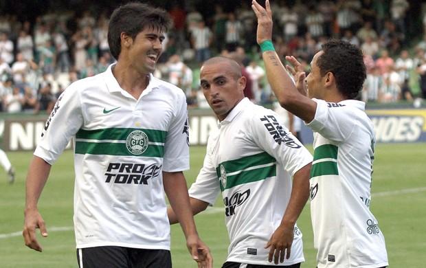 Leandro Almeida, Gil e Rafinha Coritiba x Toledo (Foto: Divulgação / Site oficial do Coritiba)