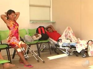 Paciente do Hospital Geral de Vitória da Conquista (Foto: Reprodução/TV Sudoeste)