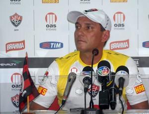 pc gusmão, técnico do vitória (Foto: Roque Mendes/Divulgação/EC Vitória)