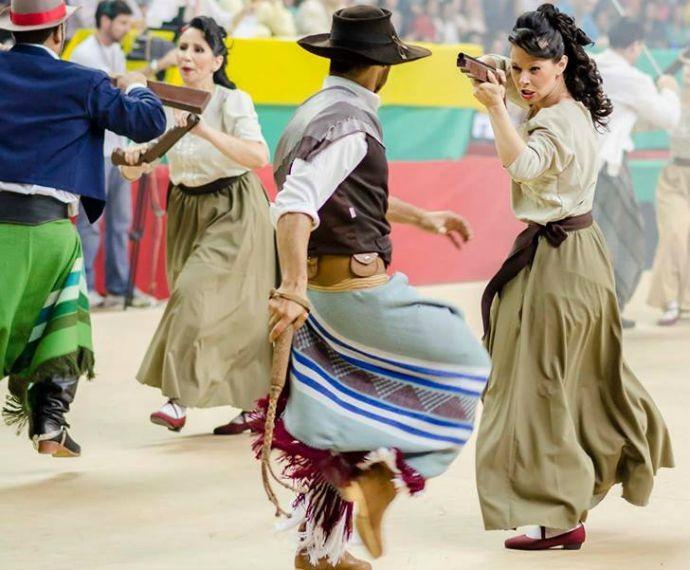 Dança Gaúcha (Foto: Deivis Bueno)