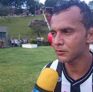 Zagueiro  do Tupi-Mg, Fabrício Soares (Foto: Bruno Ribeiro)