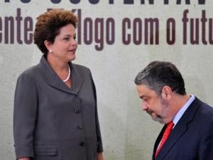 Palocci durante evento do governo na terça-feira (7); horas mais tarde, entregou carta em que pediu desligamento do cargo (Foto: Antonio Cruz / Agência Brasil)