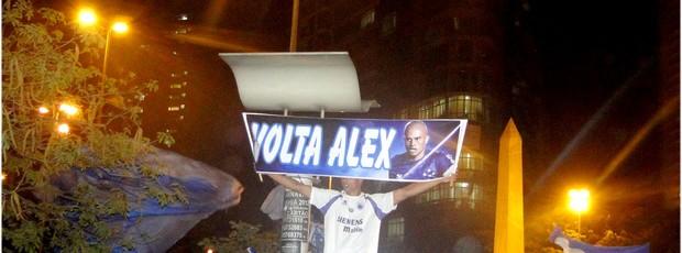 Torcedor pede a volta de Alex (Foto: Lucas Catta Prêta / Globoesporte.com)