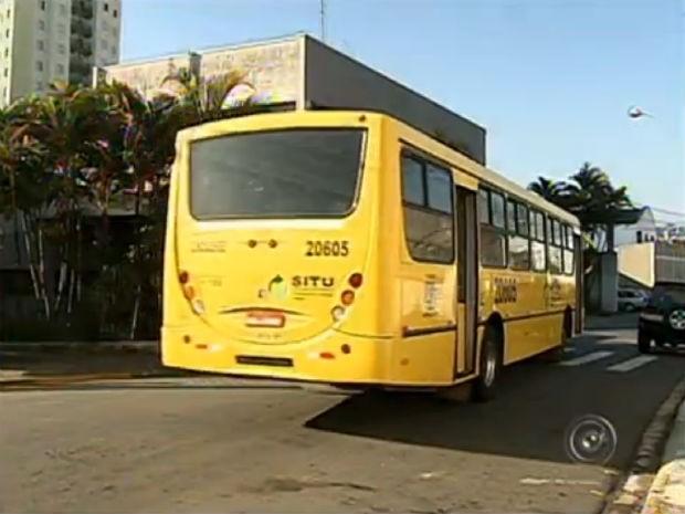 Ciretran flagra irregularidades no transporte escolar em Jundiaí (Foto: Reprodução/TV TEM)