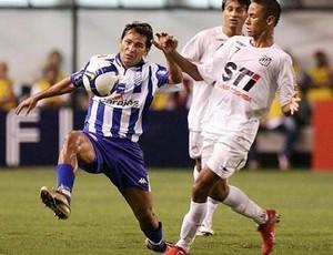Júnior Amorim duela com Neymar (Foto: Arquivo)