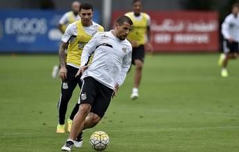 Dorival esboça time titular do Santos com Vecchio na vaga de Vitor Bueno