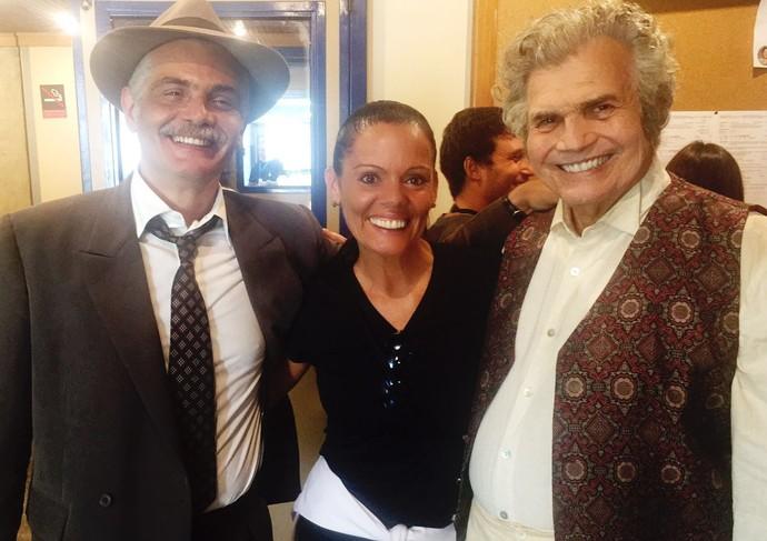 Tarcísio Meira, Tarcísio Filho e Mocita Fagundes nos bastidores de Êta Mundo Bom! (Foto: Arquivo Pessoal/Mocita Fagundes)