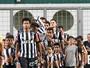 """Edcarlos se despede do Atlético-MG: """"Procurei honrar o peso dessa camisa"""""""