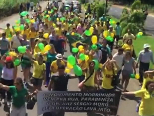 Protesto contra o governo federal em Morrinhos, Goiás (Foto: Arquivo pessoal/ Juliano Tosta)