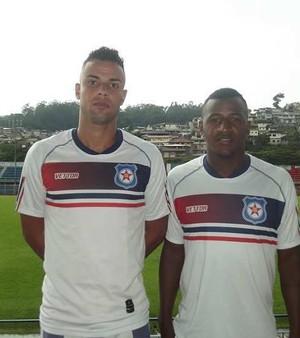 Roberto Júnior e Wender, reforços do Friburguense (Foto: Divulgação)