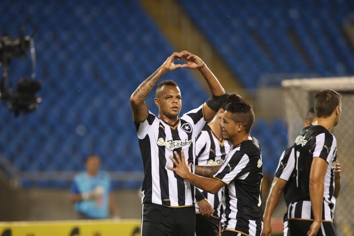 Bill comemora - Botafogo x Botafogo-PB (Foto:  Cezar Loureiro  - Agência O Globo)