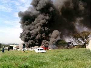 Incêndio na região central de Sumaré (SP) (Foto: Aline Horschutz/VC no G1)