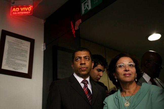 Ideli Salvatti e o marido Jefferson da Silva Figueiredo (Foto: Beto Barata / Estadão)