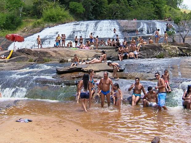 cachoeira chácara Juiz de Fora (Foto: Reprodução/TV Integração)