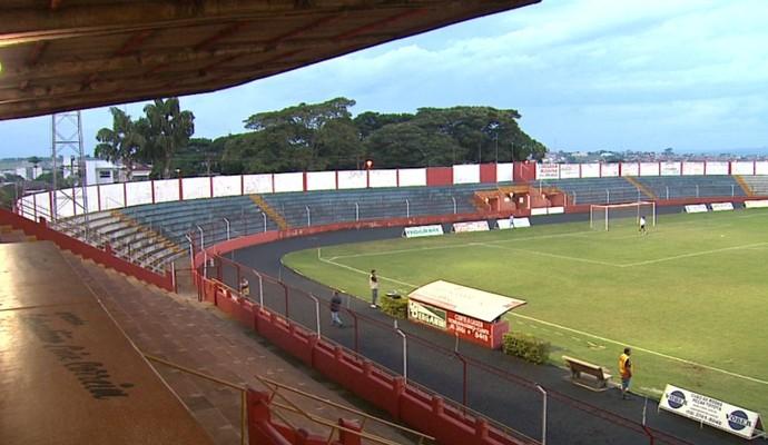 Oswaldo Scatena, estádio do Batatais (Foto: César Tadeu / EPTV)