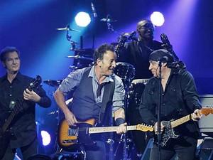 O músico Bruce Springsteen se apresenta no Madison Square Garden de Nova York (Foto: (AP Photo / Starpix, Dave Allocca))