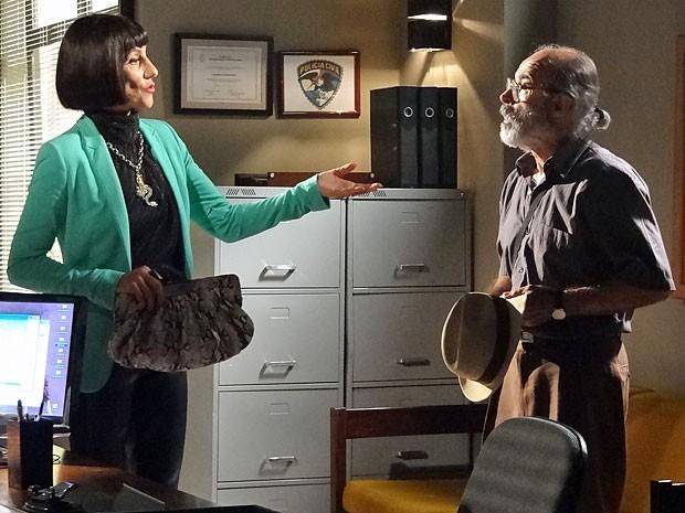 Melissa pede a Virgílio para dar um jeito em Angélica (Foto: Amor Eterno Amor/TV Globo)