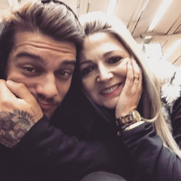 Lucas Lucco e mãe (Foto: Reprodução/Instagram)