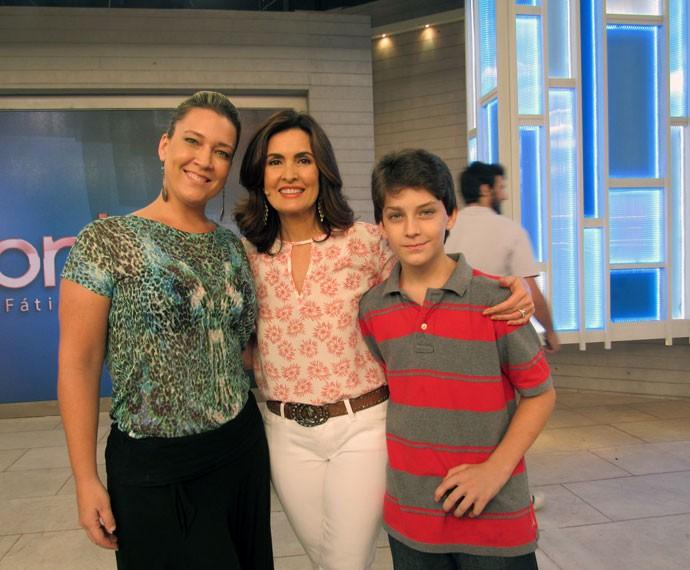 Nos bastidores do 'Encontro', convidados tiram foto com a apresentadora  (Foto: Viviane Figueiredo Neto/Gshow)