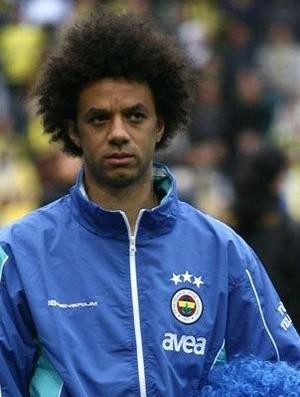 Cristian, volante do Fenerbahçe (Foto: Site oficial do Fenerbahçe)