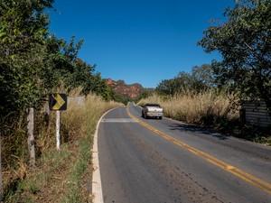 Rodovia MT-251 que liga Cuiabá a Chapada dos Guimarães, próxima ao Complexo da Salgadeira (Foto: José Medeiros/Gcom-MT)