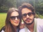 Raphael Vianna posa ao lado de Angela Munhoz: 'A flor e o beija-flor'