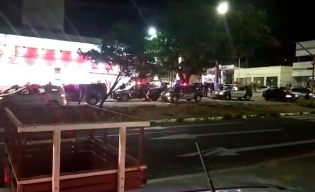Crime aconteceu na esquina das Avenidas Salgado Filho com a Nascimento de Castro (Foto: Reprodução)