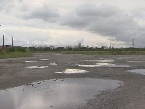 Terminais alugam terreno para desafogar o trânsito na Cônego (Foto: Reprodução/TV Tribuna)