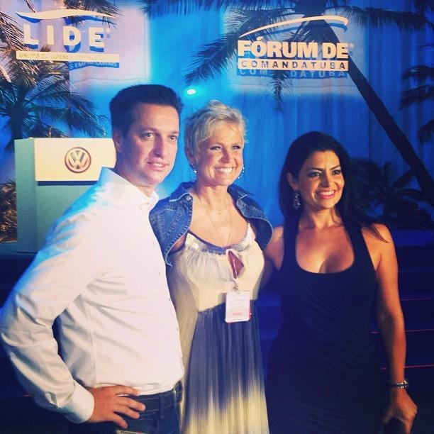 Xuxa, Thomas Schmall e Luciane em evento na Bahia (Foto: Instagram/ Reprodução)