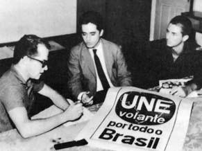 Na fase pré-ditadura, os CPCs foram importantes para a cultura (Foto: Divulgação/ Arquivos UNE)
