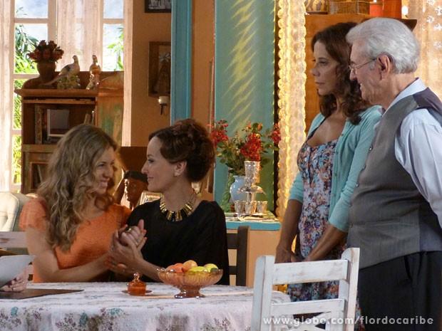 Ester e Guiomar comemoram a vitória (Foto: Flor do Caribe / TV Globo)