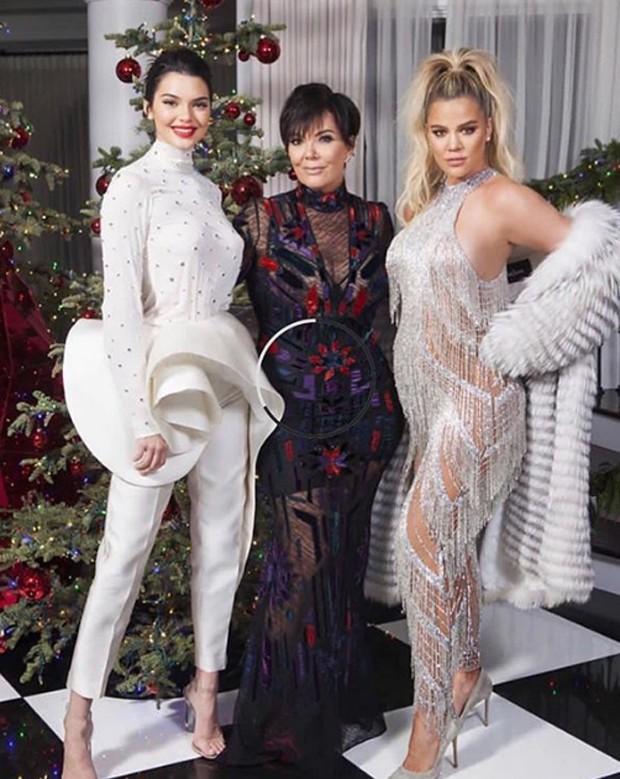 Kendall Jenner, Kris Jenner e Khloé Kardashian (Foto: Reprodução)