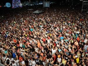 Show de Lucy Alves reúne milhares de pessoas em praia de João Pessoa (Foto: Juliana Santos/Secom-JP)