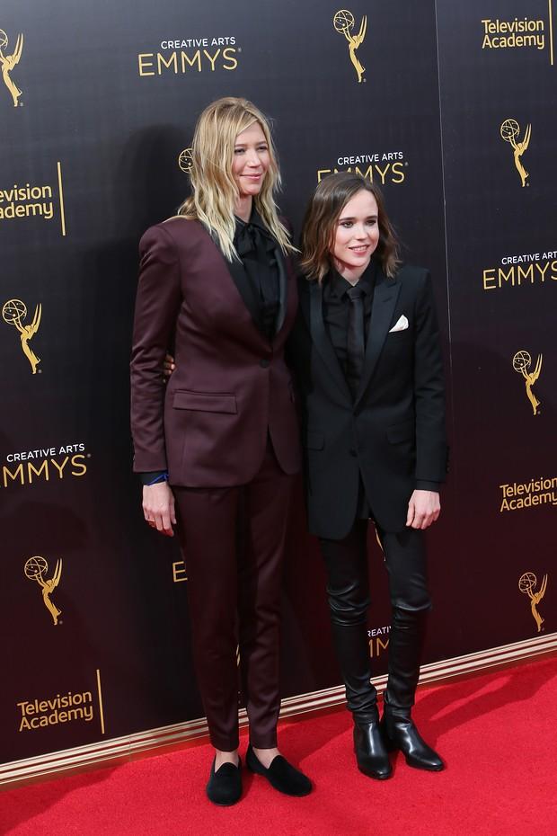 Ellen Page e Samantha Thomas participam do Creative Arts Emmy Awards (Foto: Getty Image)