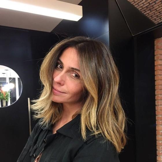 Giovanna mudou a cor e o corte dos cabelos no último fim de semana, logo depois de posar para a campanha (Foto: Reprodução Instagram)