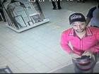 Homem deixa moto em frente à loja e ao voltar descobre que foi furtada