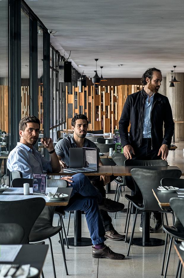 No menu Da esquerda  para a direita,  os empreendedores Marin, Bravo e Testa (Foto: Divulgação)