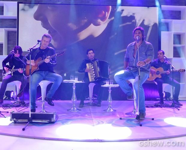 Victor e Léo cantam novo sucesso no Mais Você (Foto: Mais Você/ TV Globo)