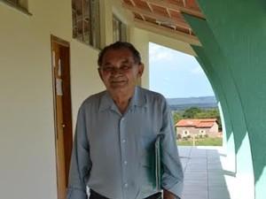 O novo pedagogo, de 75 anos, diz que não querer de estudar (Foto: Rodrigo Mamédio/Divulgação UFT)