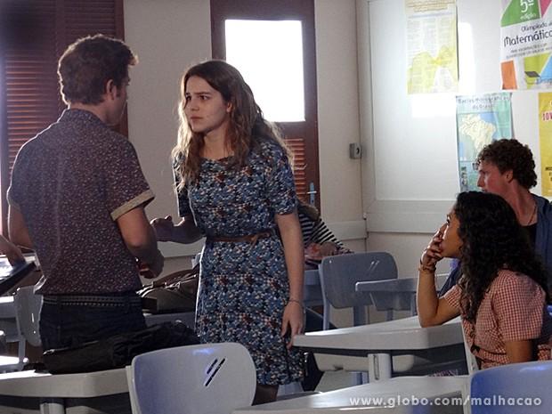 Anita fica irada com a atitude de Serguei e o acusa de traição (Foto: Malhação / TV Globo)