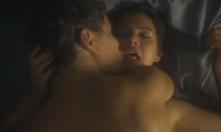 As cenas de sexo de Bruna Marquezine e Daniel de Oliveira na série 'Nada será como antes' vazaram na internet e tiveram grande repercussão | Reprodução