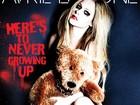 Avril Lavigne aparece coberta apenas por ursinho de pelúcia em foto