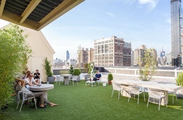 Por fim, o terraço com vista para Manhattan (Foto: Reprodução)