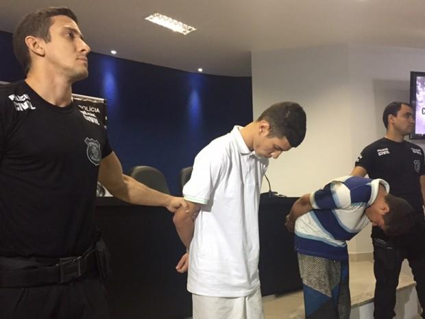 Murillo Hernique e Janderson Alves, presos suspeitos de matar casal em Goiânia, Goiás (Foto: Murillo Velasco/G1)