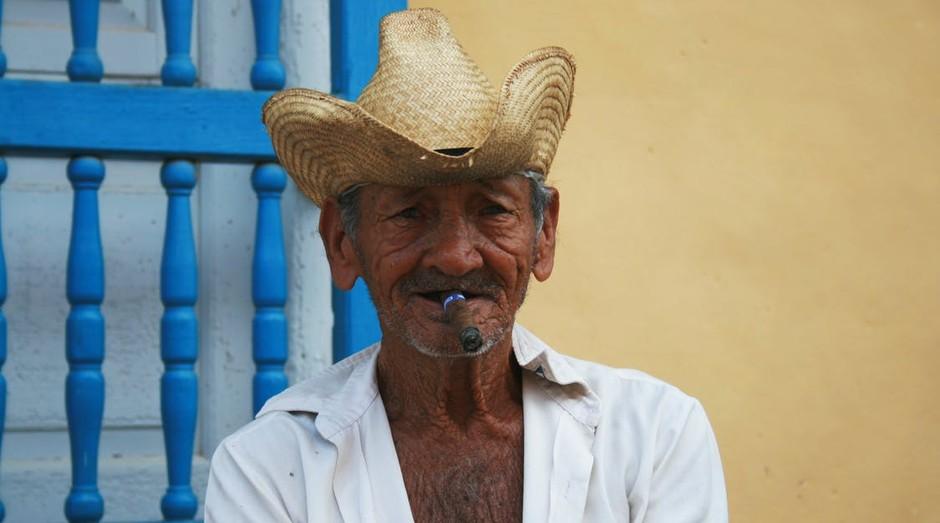 Homem cubano (Foto: Pexels)