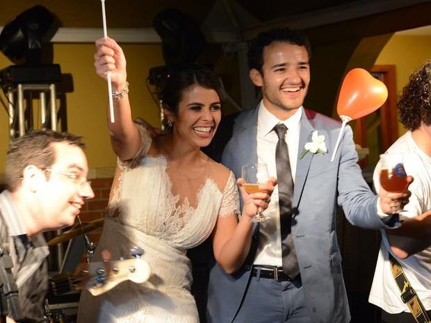 Casamento de Fabrício e Júnia foi comemorado com cerveja artesanal produzida pelo casal (Foto: Arquivo Pessoal)