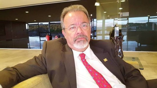 Inteligência será base de combate a crimes no RJ, diz ministro da Defesa